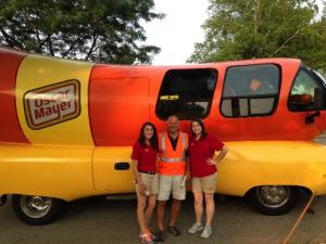 2015-07jul-Parade-Wienermobile
